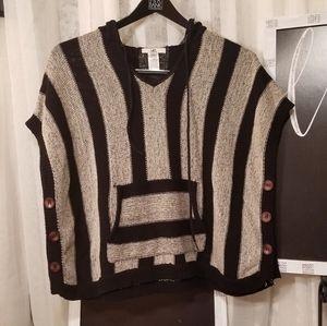 YA Los Angeles Women's Sweater Poncho One Size